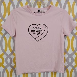 H&M Ariana Grande Break Up with Your GF Shirt med